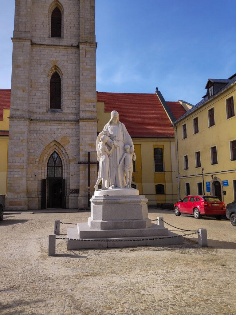 Figura Jezus Przyjaciel Dzieci Bolesławiec
